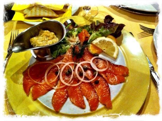 Ermitage Hotel Restaurant: Lachs mit Senfsauce