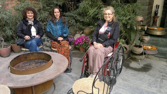 Hotel Holy Himalaya: Jardin del hotel