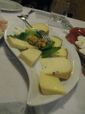 Hotel Pareda Ristorante: formaggi