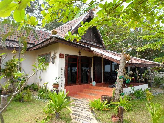 Andaman Bangtao Bay Resort: bungalow superior