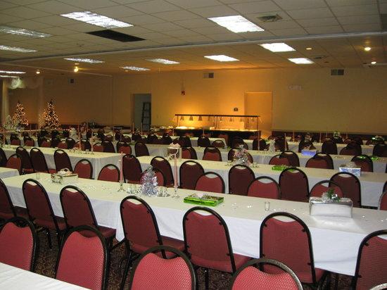 Comfort Inn Millennium: Ballroom set up for dinner