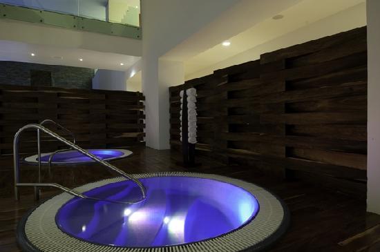 Grand Velas Riviera Maya: Spa - Hot Tub