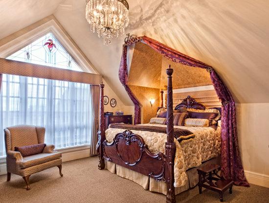 Abigail's Hotel: Sapphire Room