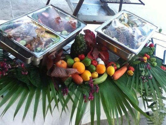 Pelican Bay Restaurant & Bar: Sunday Jerk Fiesta with Live Entertainment
