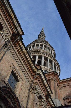 Novara, Italien: Basilica di San Gaudenzio, la cupola dall'esterno