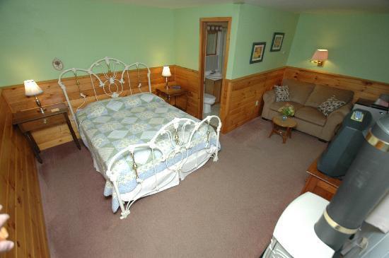 The Arbor Inn: Room #4