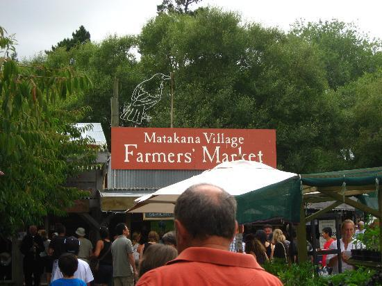 Matakana Village: Entrance