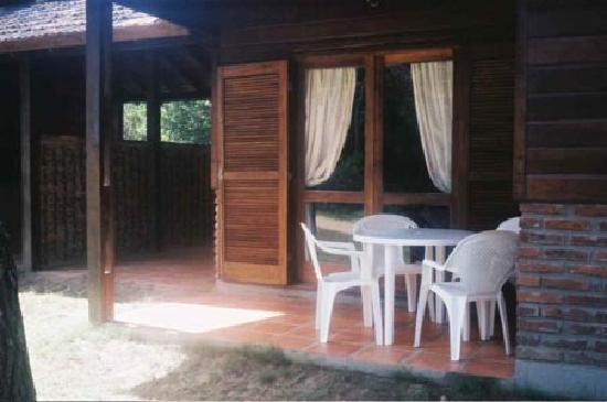 Cabanas Solaris: Frente cabaña A1