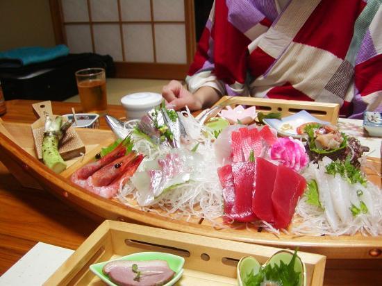 Kokoronodoka: 刺身が船盛で出てきたのはビックリでした