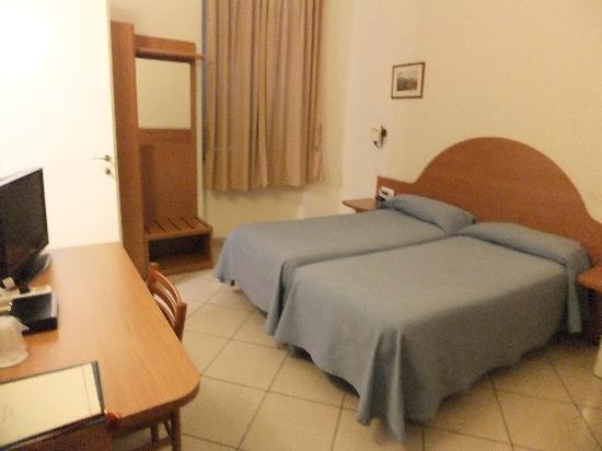Hotel Primus Roma: 部屋全体
