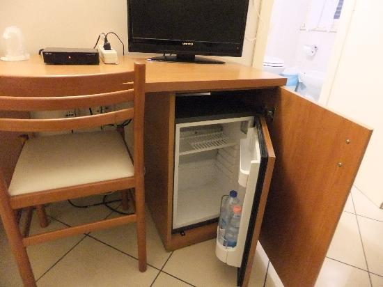 Hotel Primus Roma: ミニ冷蔵庫がありました