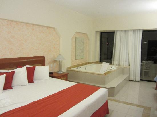 Golden Shores Crown Paradise: Our room