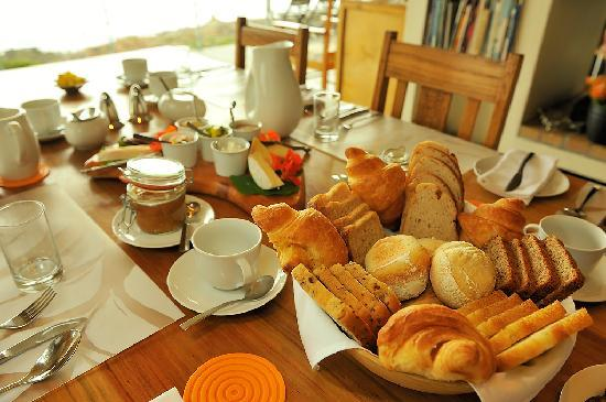Whalesong Lodge: Breakfast at Whalesong