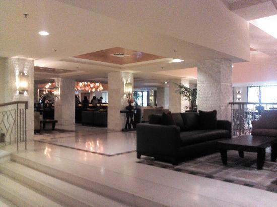 The Federal Palace Hotel: Main lobby