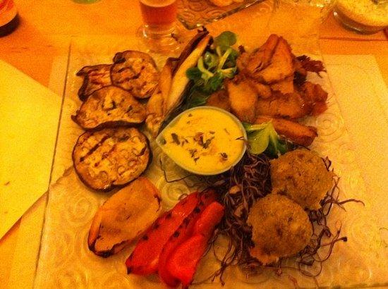 Aromatica : piatto completo seitan polpettine e verd grigl 12 euro