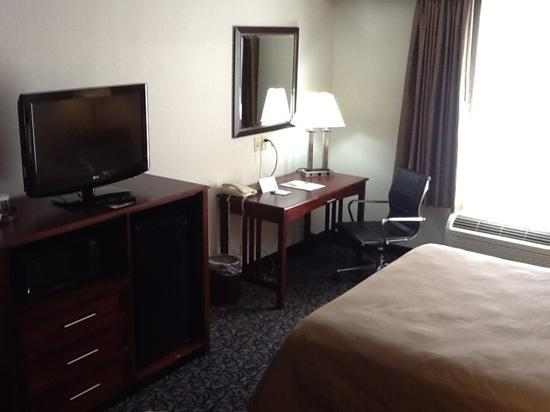 Holiday Inn Express & Suites Philadelphia - Mt. Laurel: Wow, these new rooms are really nice!