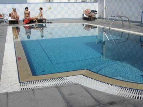 Comfort Inn Hotel: Swimming Pool