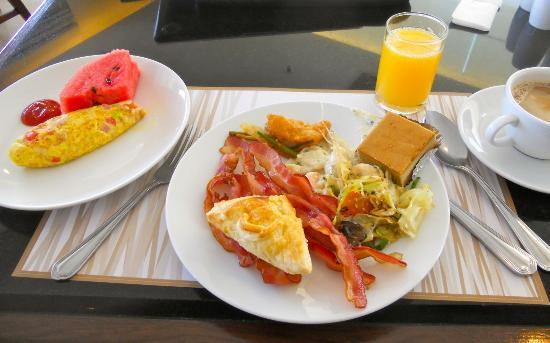 Centre Point Silom: Thai-perfect breakfast