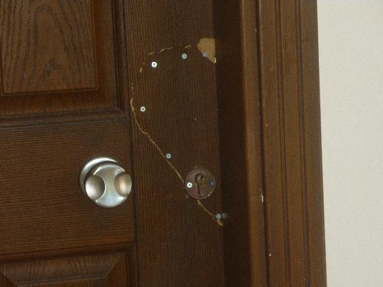 Club Jasmine Resort: our front door!!!!!! how unsafe