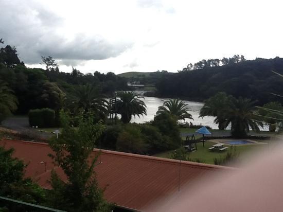 Haruru Falls Resort: haruru falls from our room