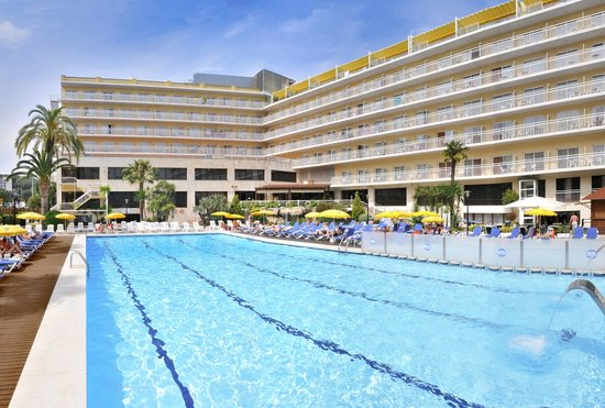 Photo of GHT Oasis Park & SPA Lloret de Mar