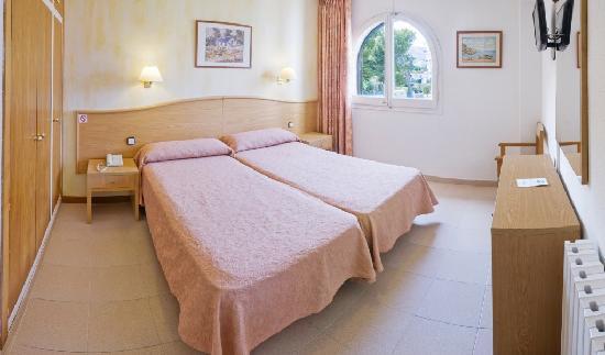 Hotel GHT Xaloc: Room