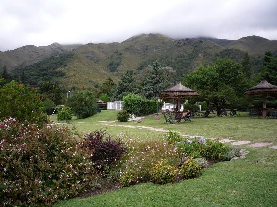 Hotel y Duplex Rincon del Valle: desde el parque