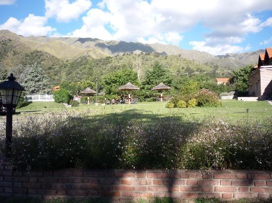 Hotel y Duplex Rincon del Valle: vista a las sierras