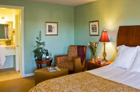 Baechtel Creek Inn: Premium Room