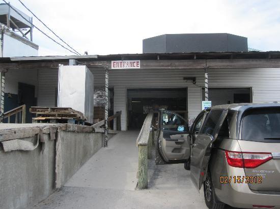 Cedar Key Fish & Oyster Company : Entrance