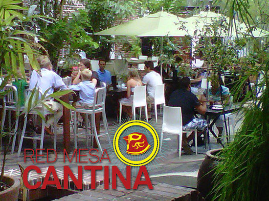Red Mesa Cantina: Dine indoors or the courtyard/fountain area.