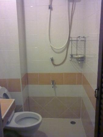 แสนสบายเฮ้าส์: bathroom
