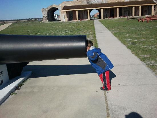 Fort Pickens Campground: The kids loved the Fort