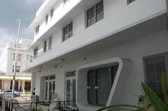 Dream South Beach: view of hotel