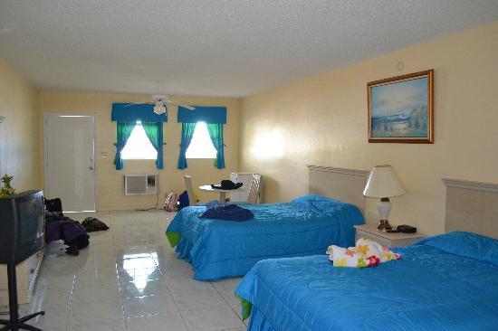 Bishop's Bonefish Resort: immaculately clean & spacious room (#2)