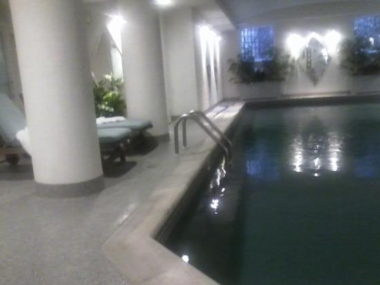 The Vanderbilt Grace: Relaxing indoor pool in the spa area.