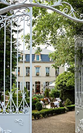 Hostellerie Le Cèdre : le parc