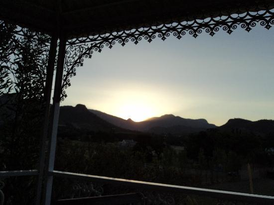 Auberge La Dauphine: Watching the sun set from gazebo
