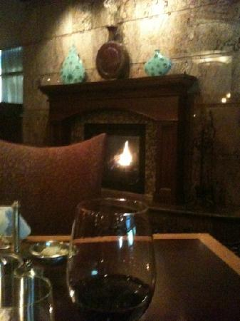 Seneca Allegany Resort & Casino: Fireplace at Western Door