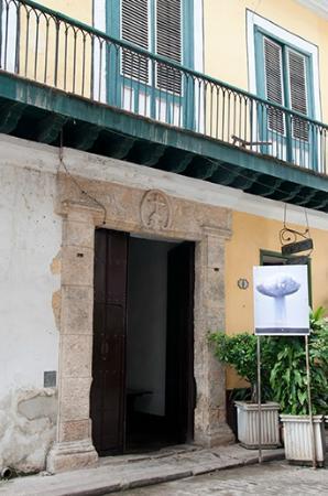 San Francisco de Asís Square: The entrance to the artist studios at No. 6 Calle Oficios