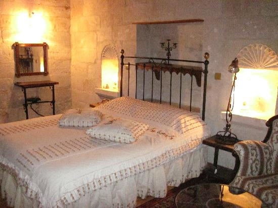 Aydinli Cave Hotel: Great bed!