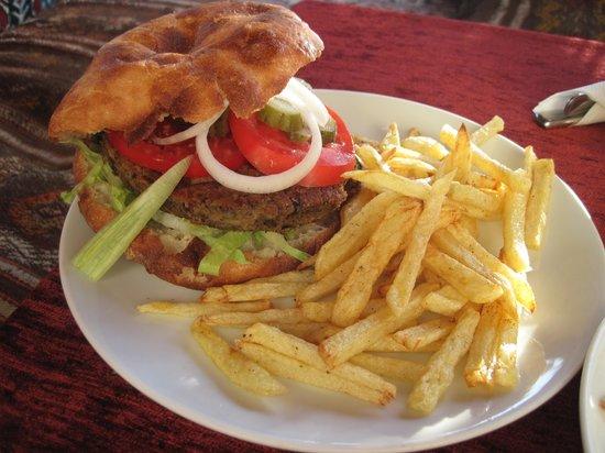 Fat Boys Bar: Huge burger
