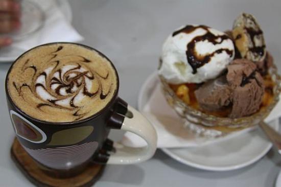 Baladina Cafe: Cappuccino and Baladina cup