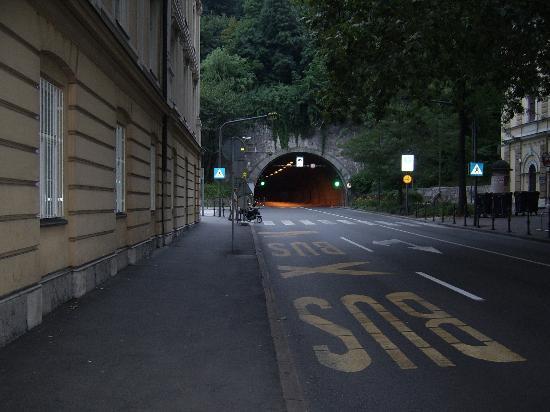 Preseren Square: Túnel que conecta una parte de la ciudad con la otra
