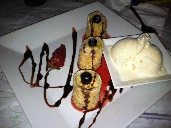 Latino's : banana dessert!