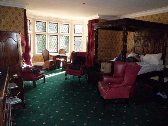 Miskin Manor Hotel and Health Club : Elinor Gwyn Room