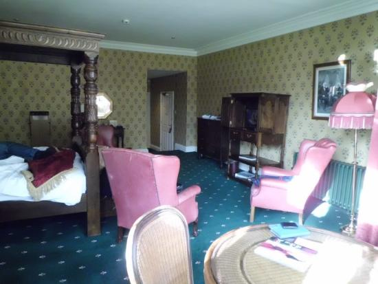 Miskin Manor Hotel and Health Club : view into room from window