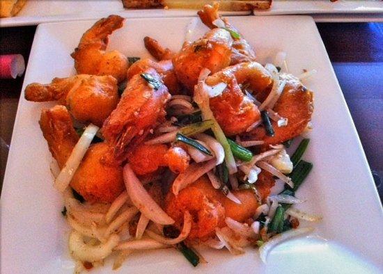Pho Chau: their shrimp, salt and fresh onions is delicious!