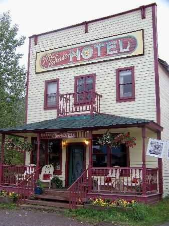McCarthy Lodge & The Ma Johnson's Hotel: Ma Johnsons, McCarthy AK