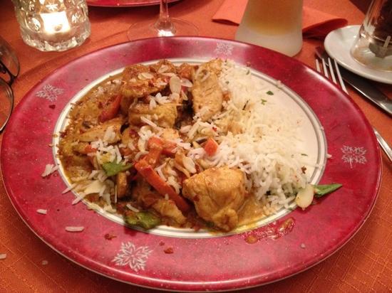 Saran Essbar: Chicken Curry